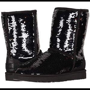 Classic Short Black Sequin Ugg Boots Sz 10